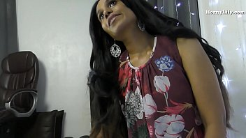 सेक्सी इंडियन मिल्फ हॉर्नी रोलप्ले