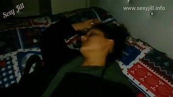 बहन नशीली और उसकी नींद