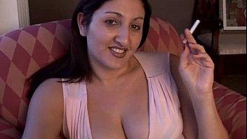प्यारा मोटा श्यामला सेक्सी धुआं तोड़ प्यार करता है