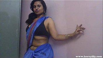 इंडियन बेब लिली सेक्स बिग फैट गधा