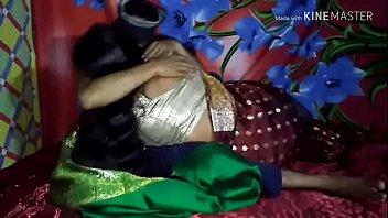 गर्म भारतीय लड़की चूसने
